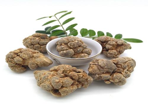 增强免疫力,通脉活血, 多吃三七能有效预防肝癌